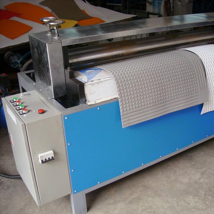 广东冲浪板防滑垫机器 防滑垫机器直销 开槽机设备  全自动开槽机  防滑垫开槽机