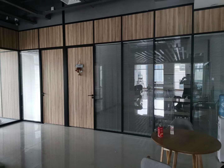 福州百叶隔断 玻璃隔断 办公家具 厂家现货 安装供应 办公室成品隔断 玻璃办公室成品隔断